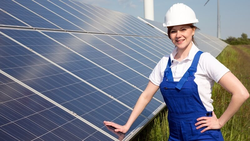 Women Apply Here: The Solar Industry